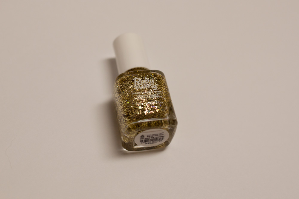 Birchbox February 2014 Ruby Wing Gold Glitter Color Changing Nail Polish