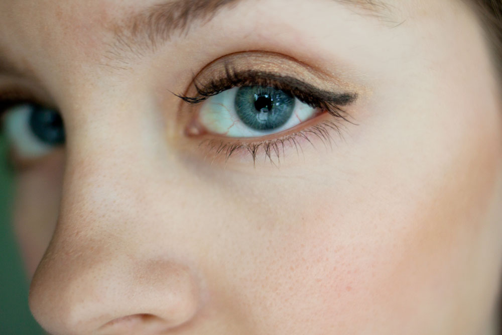 Mary Kay Cream Eye Color in Apricot Twist / hello, rigby!