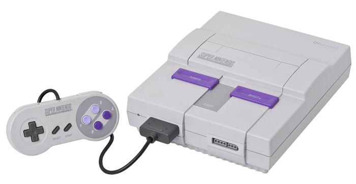Super Nintendo SNES by Evan-Amos / hellorigby!