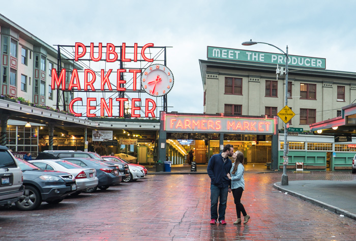 Jenn-and-David-Couples-Session-Seattle-Pier-Market-Place-TMinspired-Photography-3