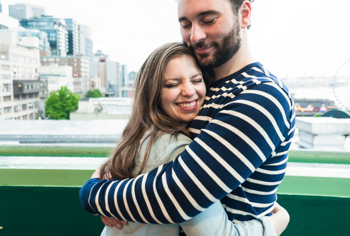 Jenn-and-David-Couples-Session-Seattle-Pier-Market-Place-TMinspired-Photography-9