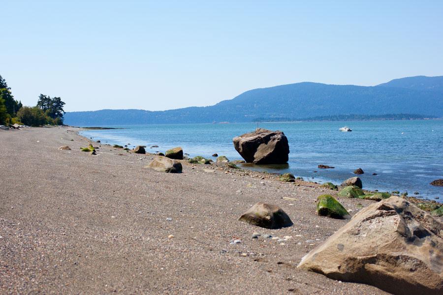 Lummi Island Beach / hellorigby!