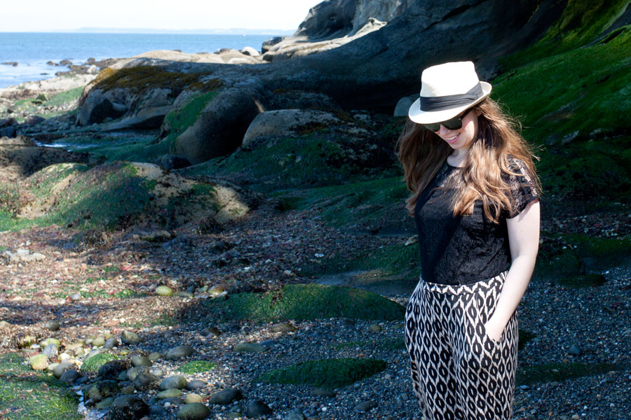 Track Pants, Lace, + Fedora / Beach Look / hellorigby!