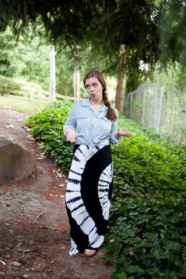 Fashion Blogger Outtakes - Tie Dye Dress + Chambray / hellorigby!