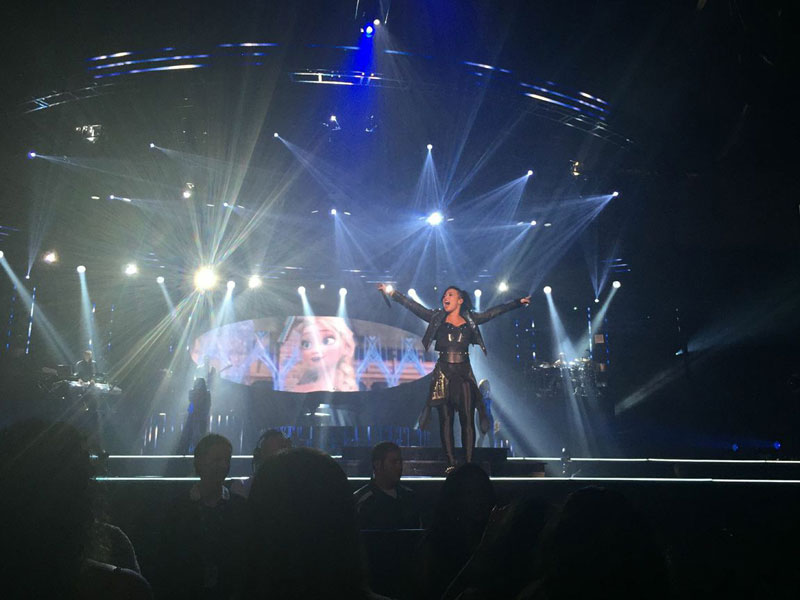 Demi Lovato Frozen Let It Go Performance / hellorigby!