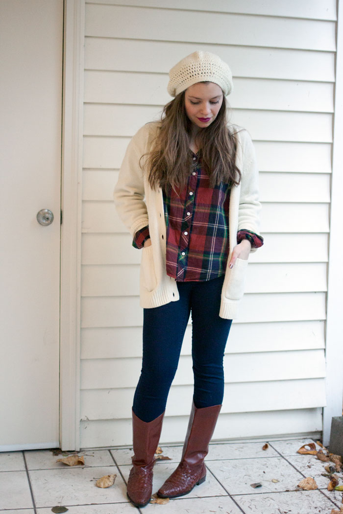 Oversized Sweater Outfit with Vintage Boots / hellorigby!