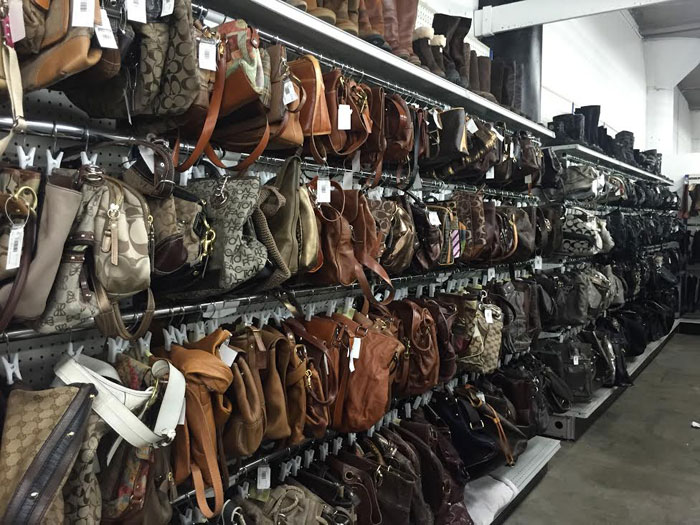 Seattle Goodwill Glitter Sale 2014 Preview / Vintage and Modern Handbags and Clutches / hellorigby!