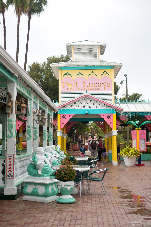 Bahamas Port Lucaya Marketplace Freeport / hellorigby seattle lifestyle and fashion blog