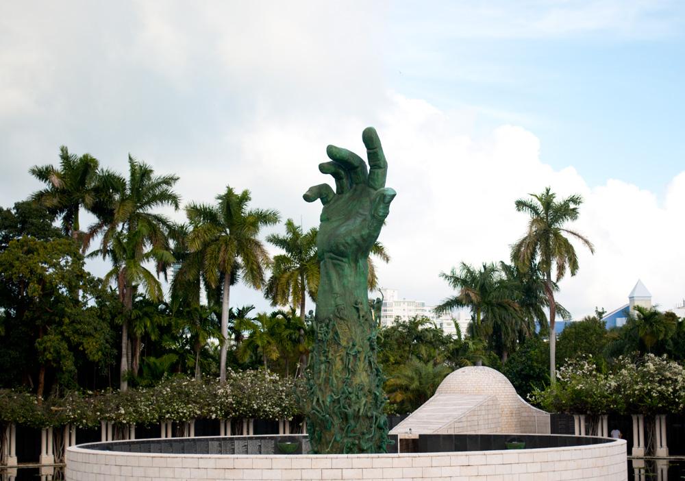 Miami Holocaust Memorial Statue / hellorigby!