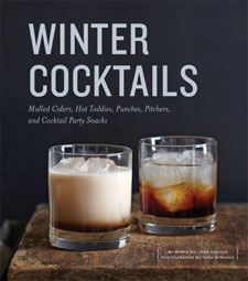 Winter Cocktails by Maria del Mar Sacasa and Tara Striano Review / hellorigby!