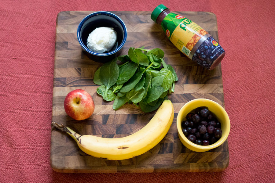 Blueberry Banana Spinach Smoothie with Del Monte Pure Earth Juice / hellorigby seattle fashion and lifestyle blog