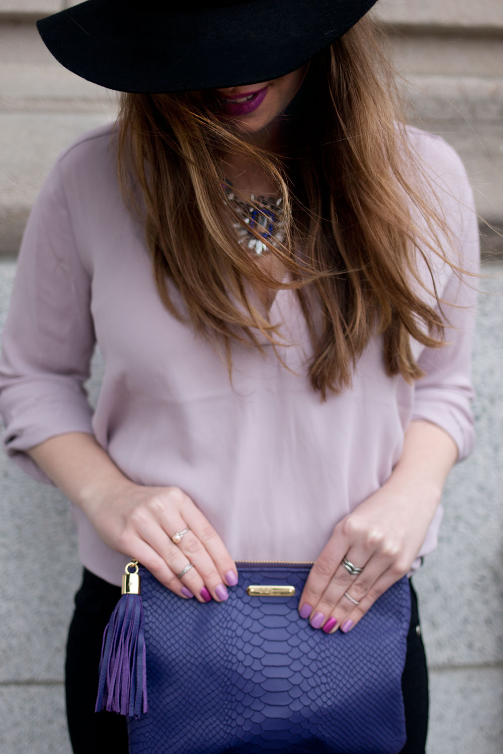 Bohemian Flowy Top, Floppy Hat, and Purple Clutch Outfit / hellorigby seattle fashion blog