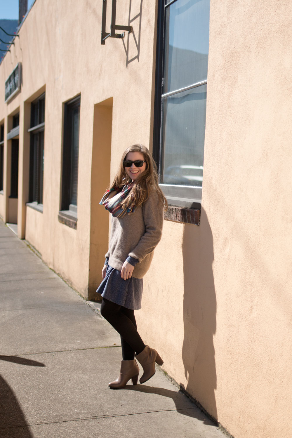 How to Wear Boyfriend Cashmere Sweater & Blanket Scarf Outfit / hellorigby seattle fashion blog