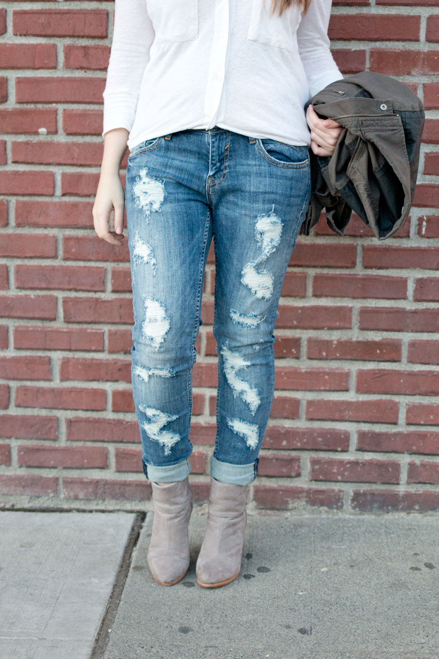 How to Wear Distressed Jeans: James Perse White Button Up, Vigoss Deconstructed Jeans, Rag & Bone Gray Newbury Booties Outfit / hellorigby seattle fashion blog