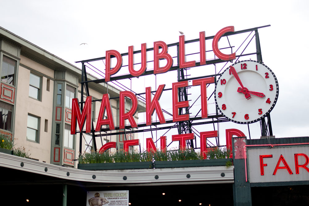 Pike Place Market: Public Market Center Sign / hellorigby seattle lifestyle and fashion blog