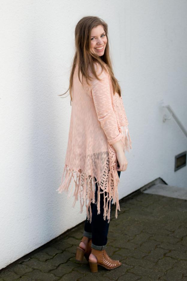 Fringe Cardigan on Petite Outfit / hellorigby seattle fashion blog