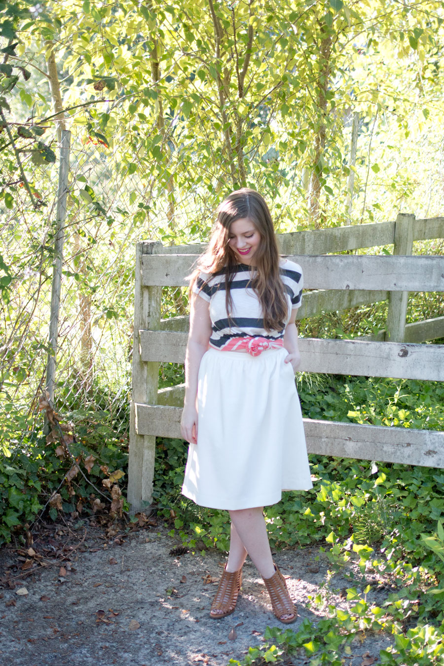 Knotted Crop Top & White Skirt Outfit with The Collegiate Standard / hellorigby seattle fashion blog