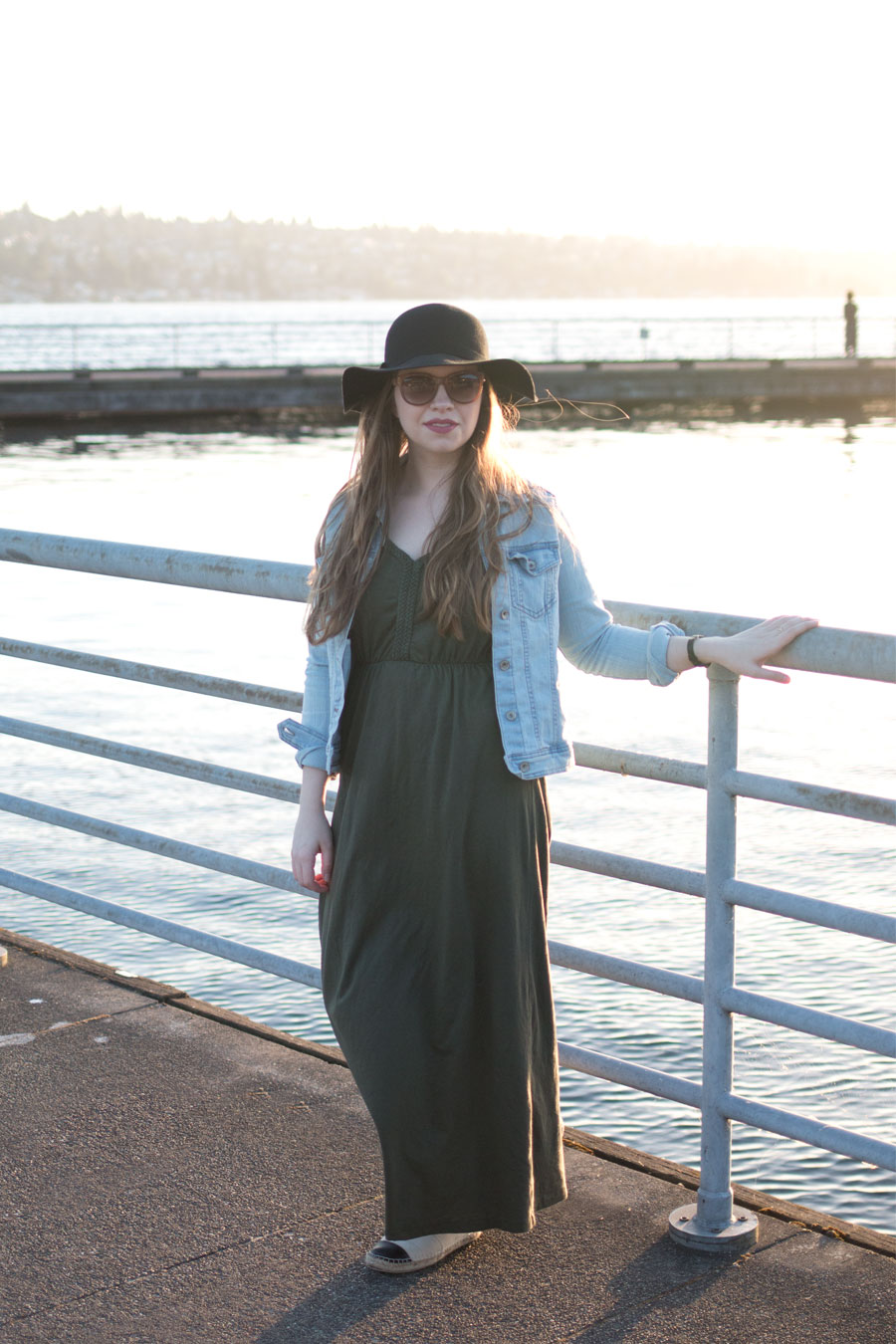 Maxi Dress, Jean Jacket, and Espadrille Flats Outfit / hellorigby seattle fashion blog