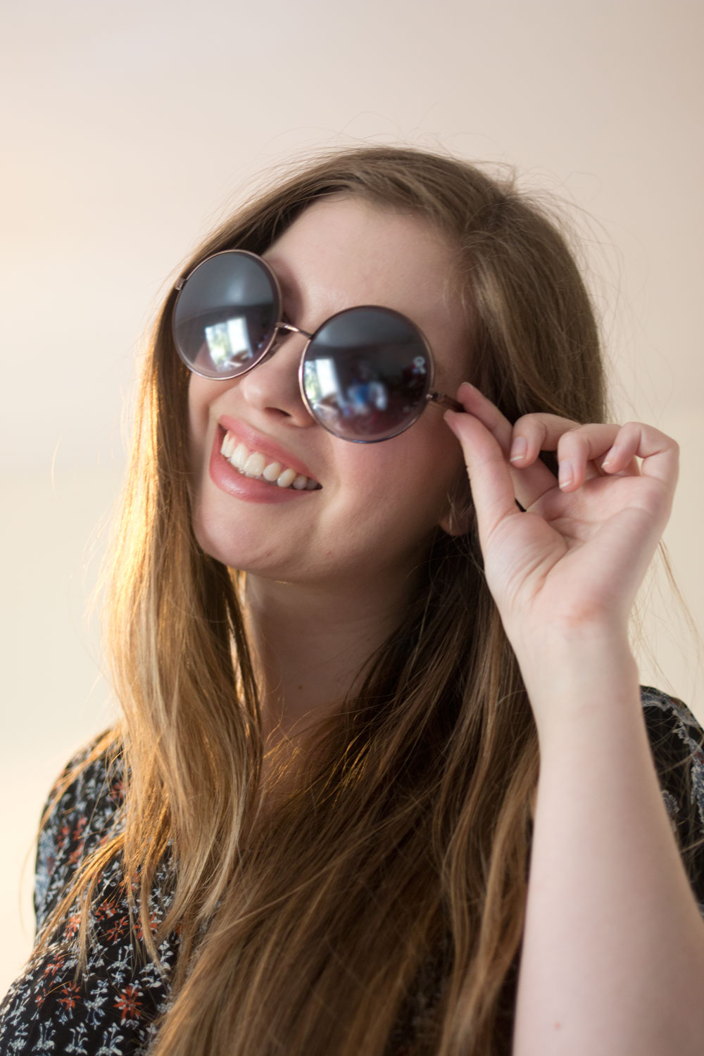 Dailylook Elite August 2015: Quay Round Lens Sunglasses in Copper // hellorigby seattle fashion blog