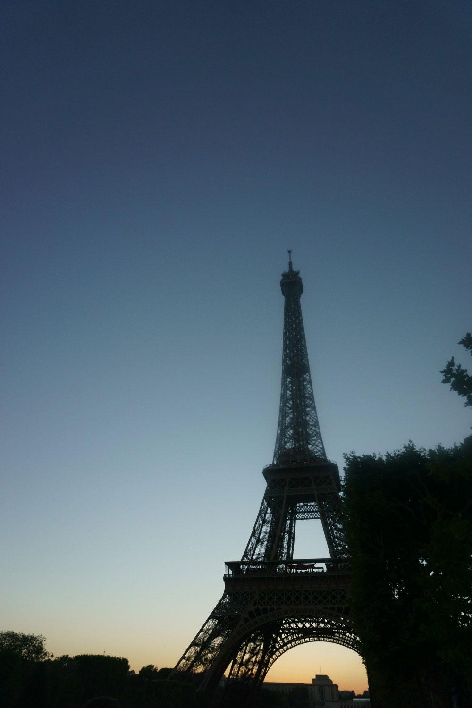 Eiffel Tower at Sundown // hellorigby.com seattle travel vlog