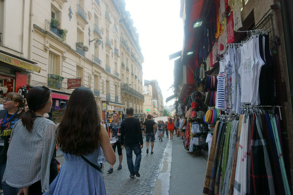 Shopping in Montmartre // hellorigby seattle travel blog
