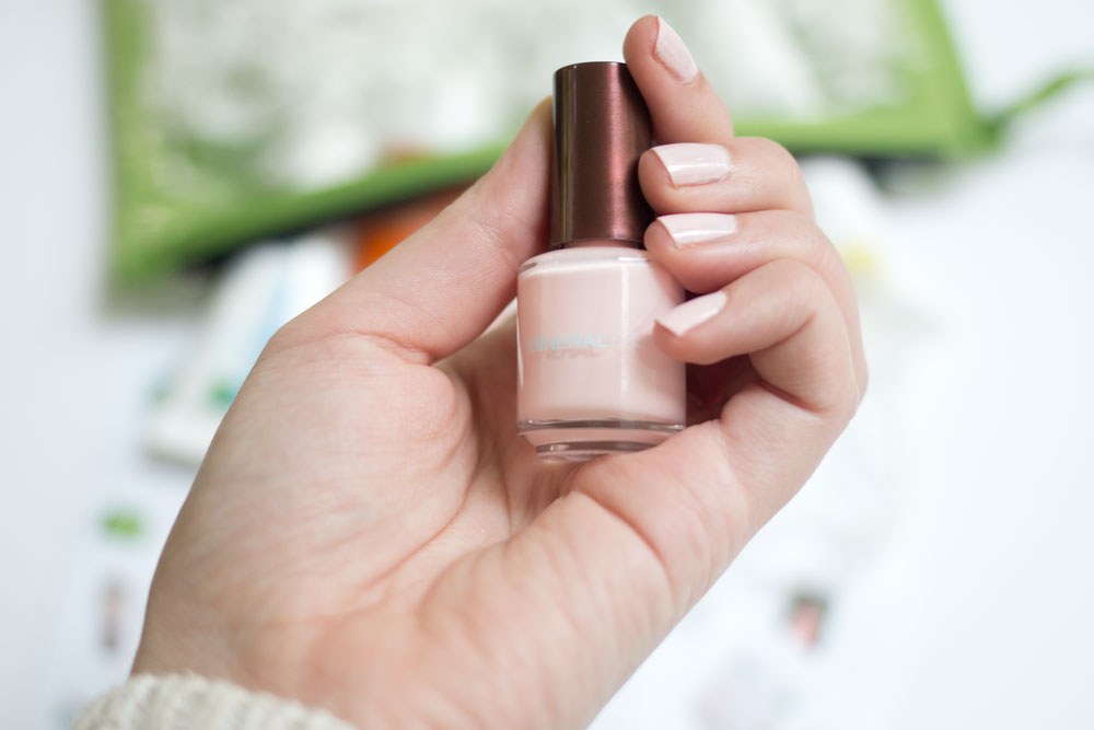 Whole Foods Whole Body Weekender Travel Bag: Mineral Fusion Nail Polish in Blushing Crystal // hellorigby seattle beauty blog
