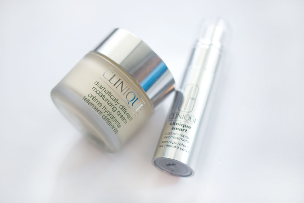 End of Summer Favorites: Clinique Dramatically Different Cream & Clinique Smart Custom Repair Eye Treatment Review // hellorigby seattle beauty blog