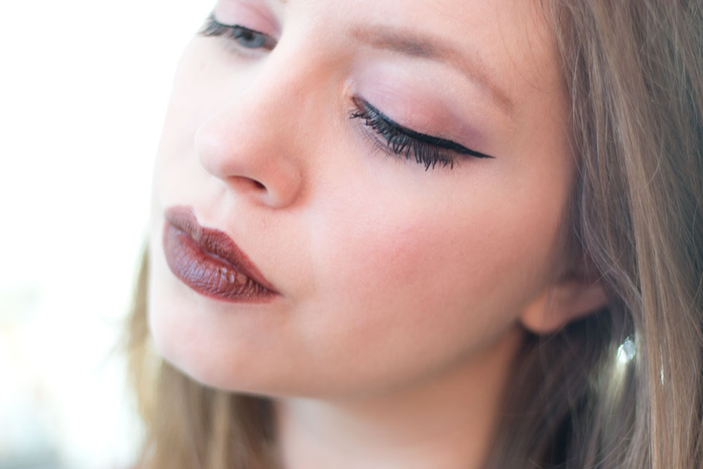 Dramatic Wing Liner with L'Oreal Lineur Intense Liquid Liner with La Palette Nude 2 // hellorigby seattle beauty blog