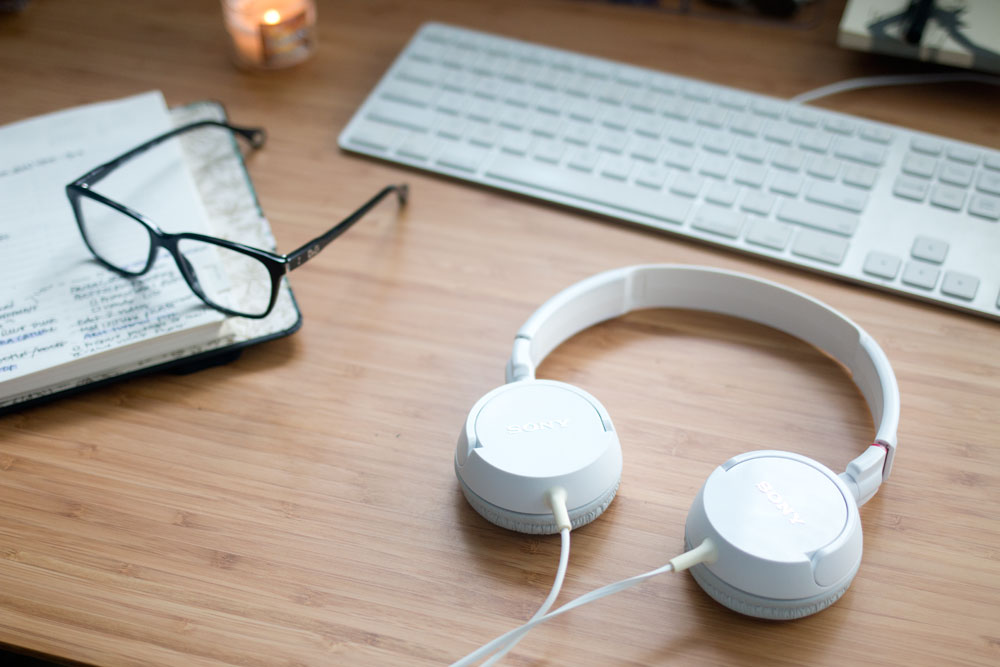 Office Must Haves featuring Headphones, Essilor Eyezen Glasses, and Planner // hellorigby seattle lifestyle blog