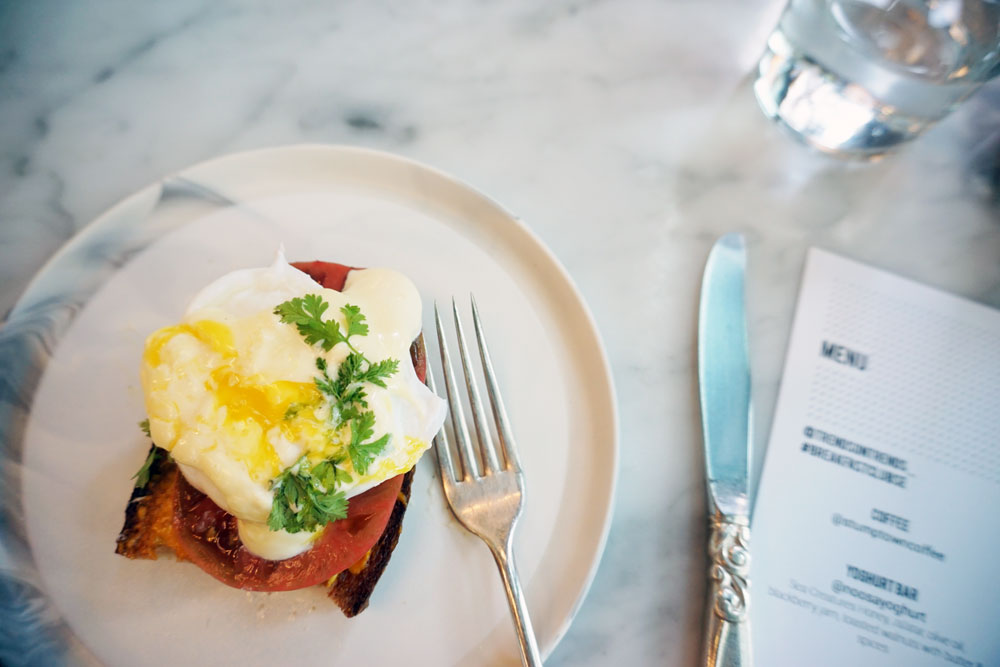 Poached Egg on Toast at the Whale Wins Breakfast Club // hellorigby seattle lifestyle blog