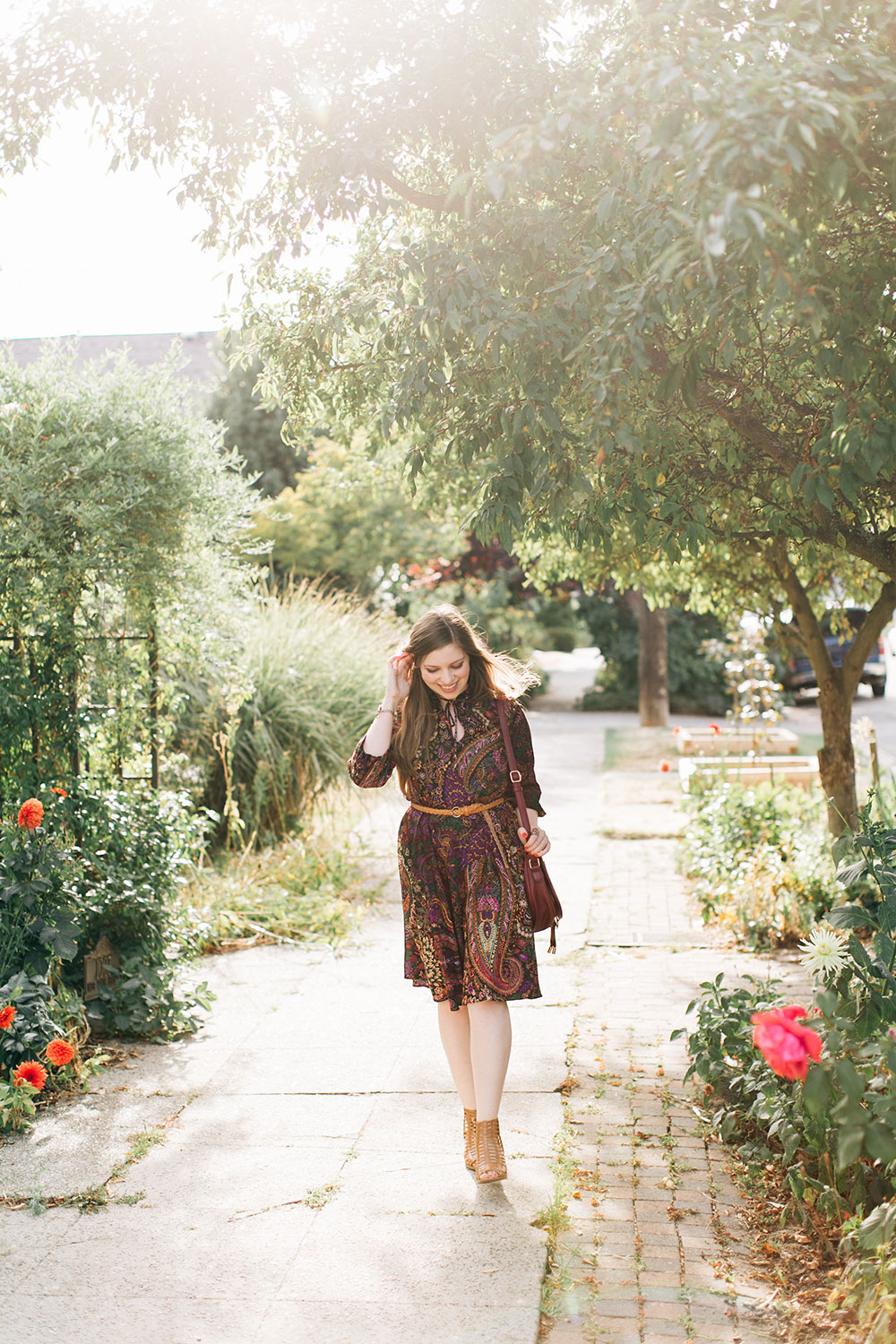 70s Bohemian Paisley Purple Dress Outfit with Sandals // hellorigby seattle fashion blog