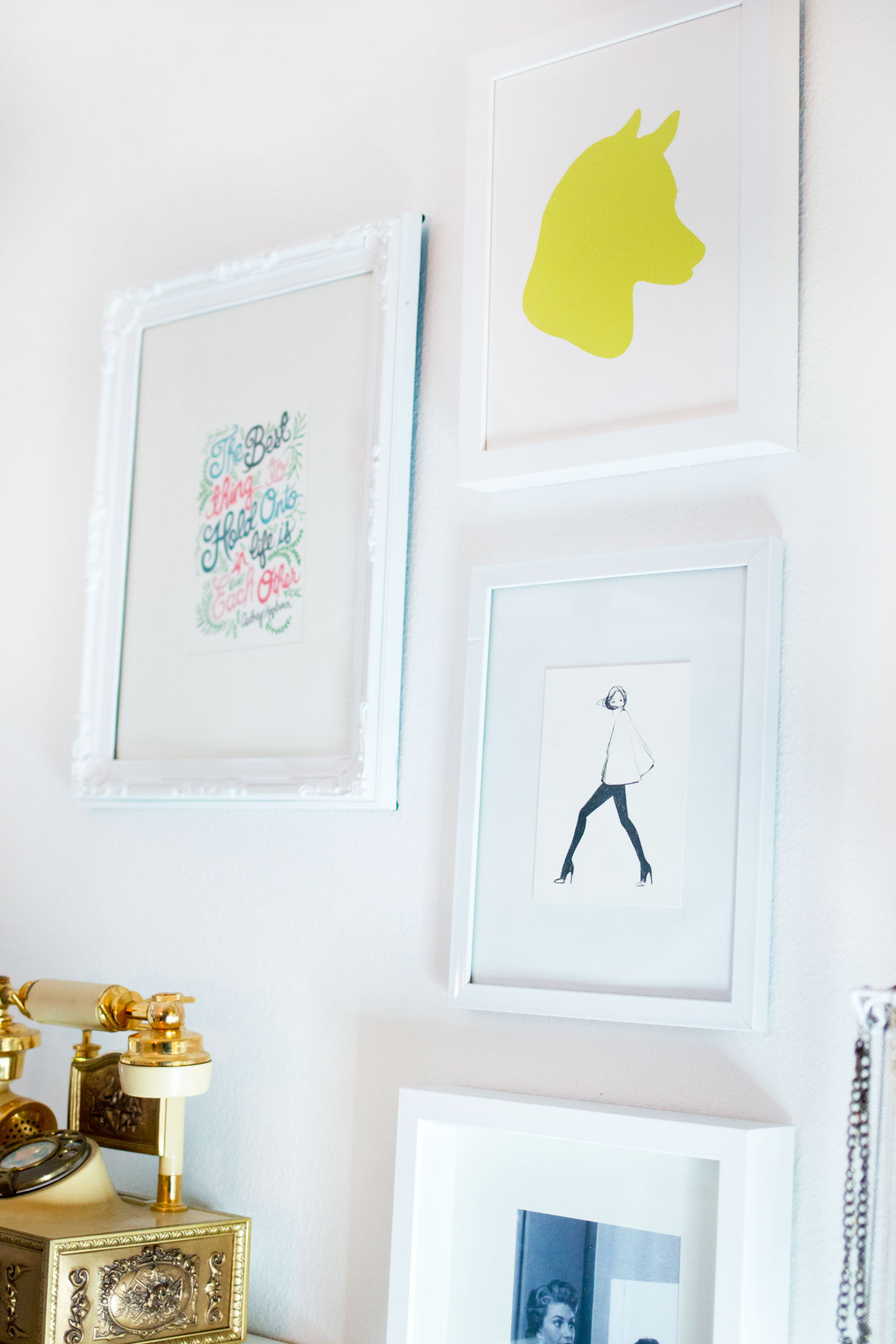 DIY Makeup Vanity: Wall Decor featuring Minted Silhouette Print // hellorigby.com Seattle Fashion & Lifestyle Blog