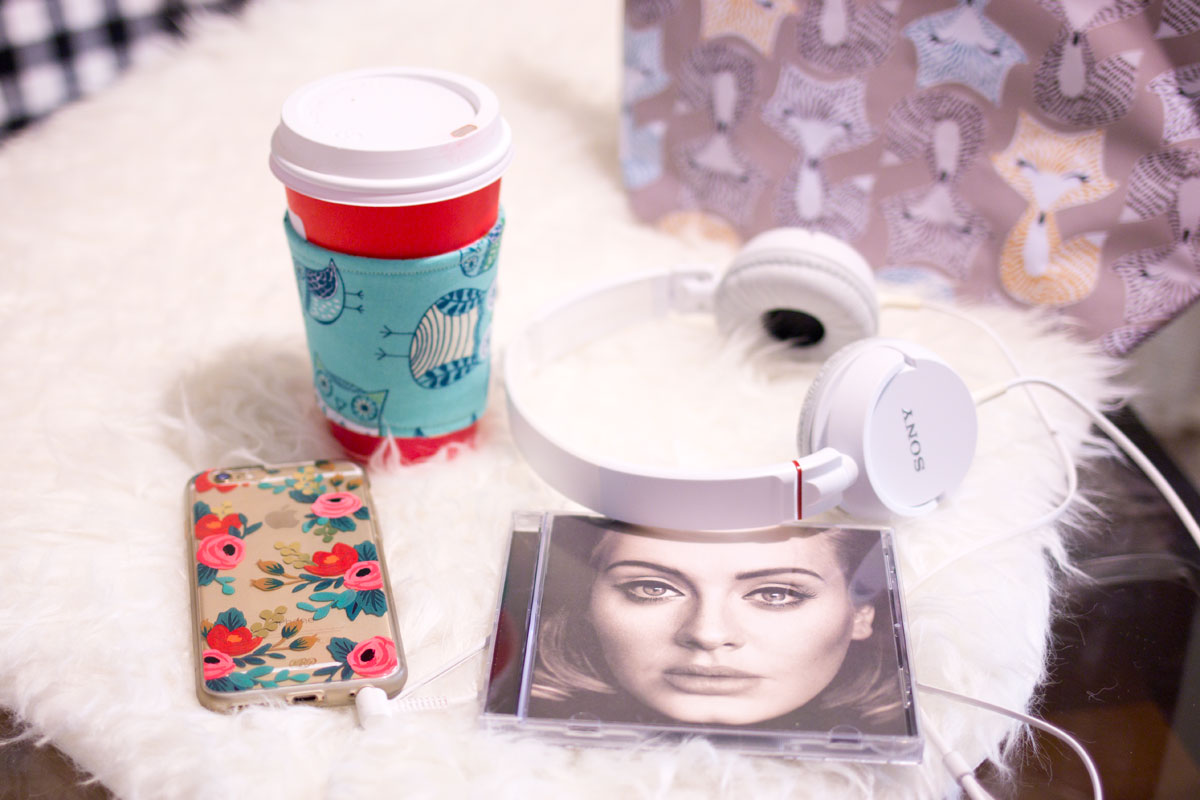 Holiday Travel Essentials for Road Trips // hellorigby.com seattle lifestyle blog