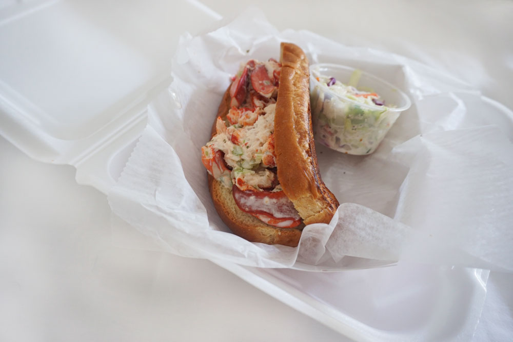 Key West Eats: DJ's Clam Shack Lobster Roll // hellorigby.com seattle travel blog