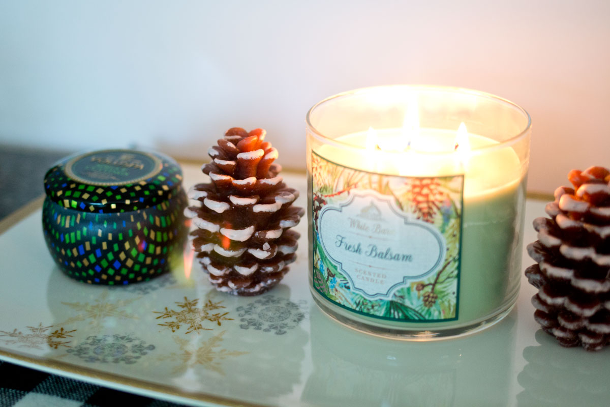 Holiday Candles: White Barn Fresh Balsam & Voluspa Spruce Cuttings Candle // hellorigby seattle lifestyle & home decor blog