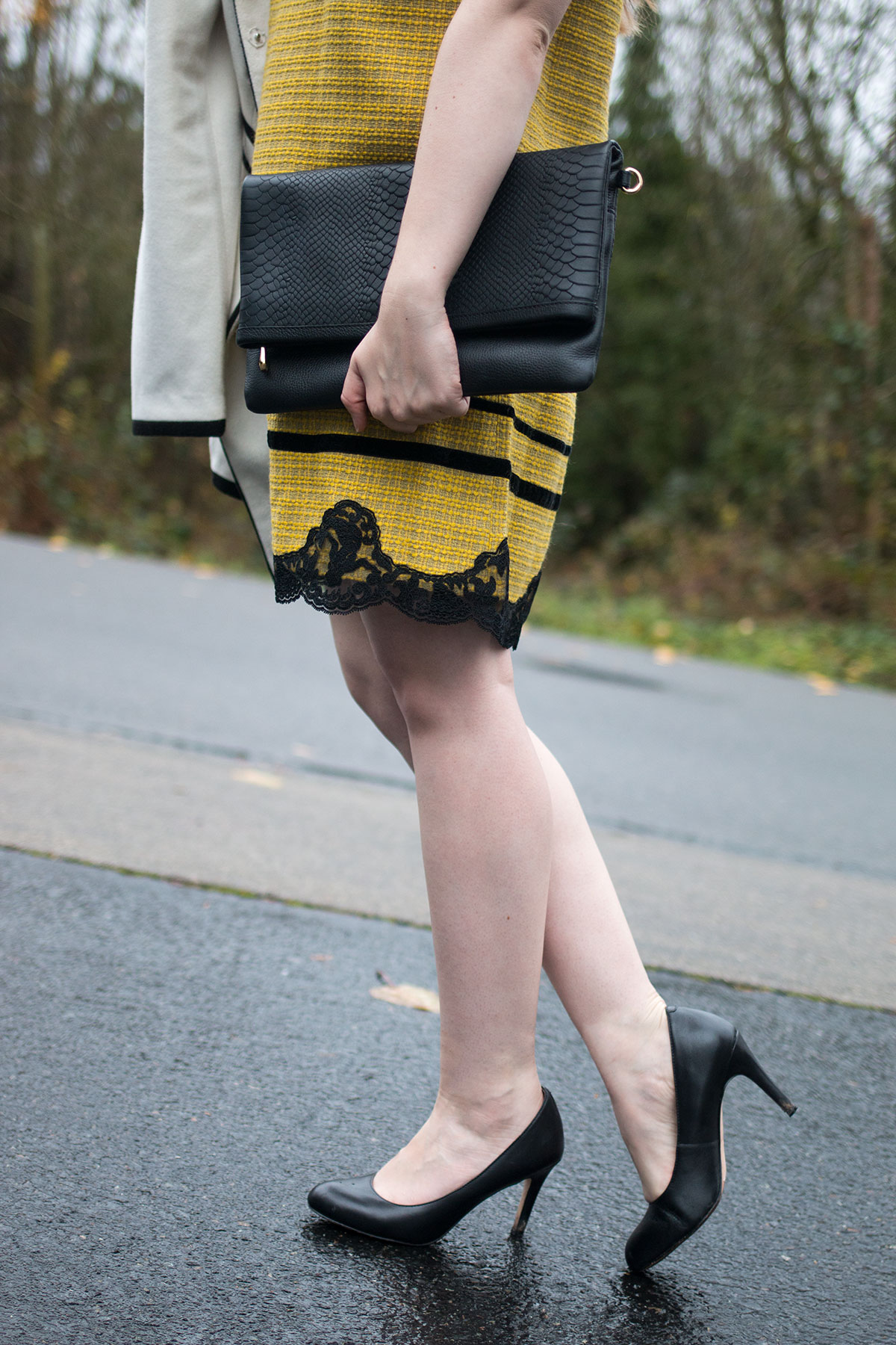 Holiday Party Outfit Ideas: Yellow Boucle & Lace Dress, Corso Como Del Black Pumps, & Gigi New York Carly Convertible Clutch // hellorigby.com seattle fashion blog