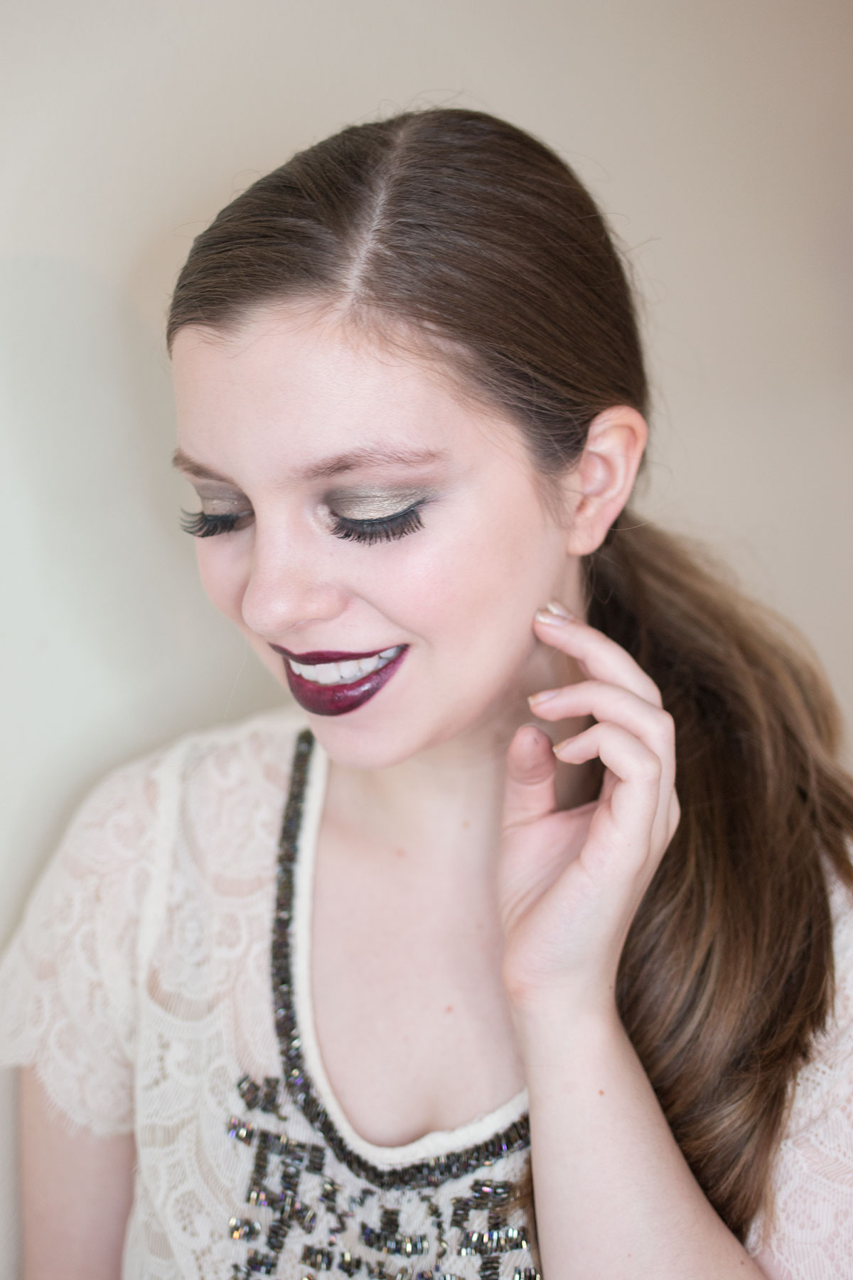 New Years Eve Makeup Tutorial: Champagne Smokey Eye & Plum Lip // hellorigby.com seattle fashion & beauty blog