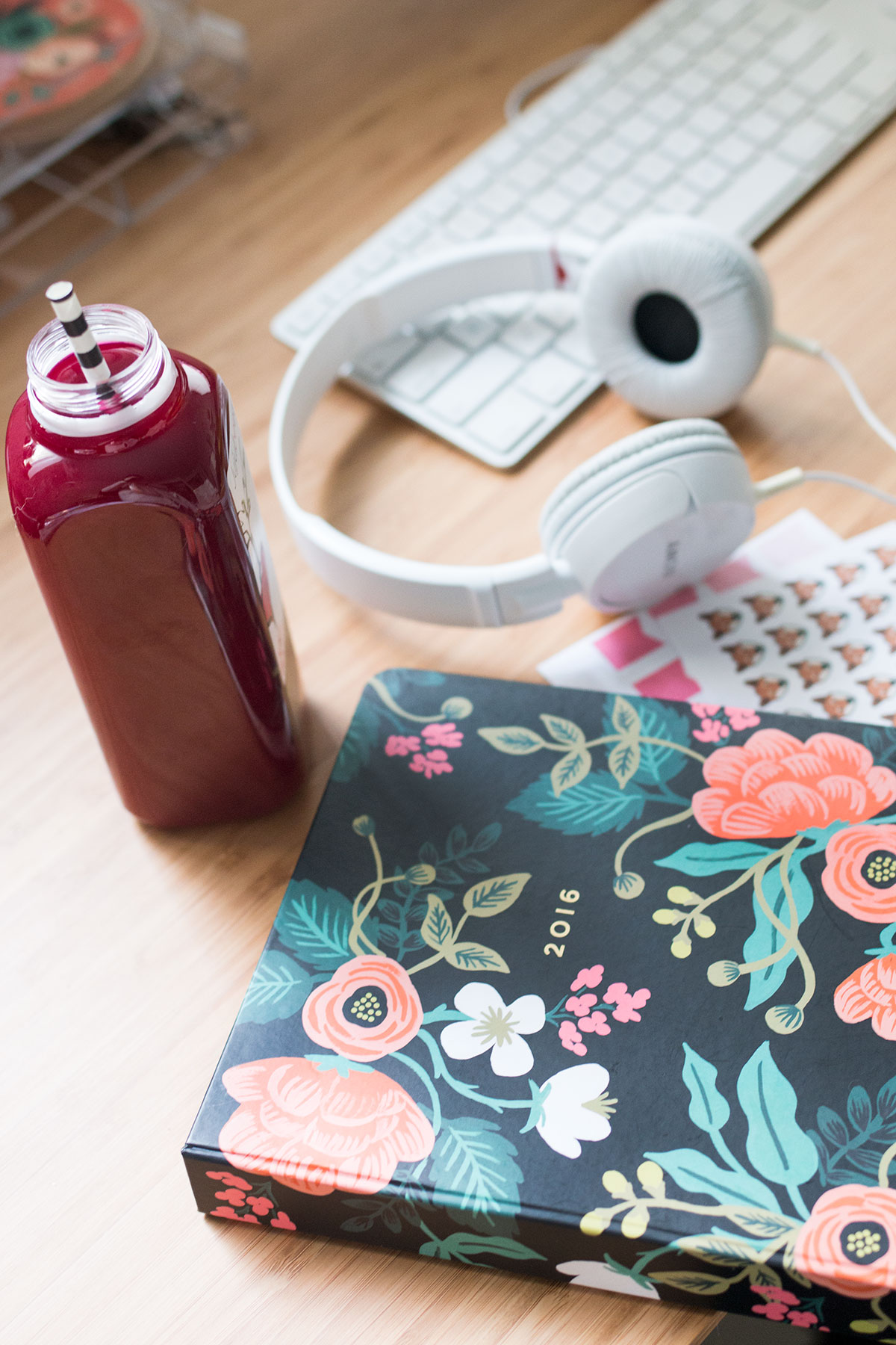 New Year's Resolutions: Jujubeet Beet Juice, Sony Headphones, Rifle Paper Co Planner // hellorigby.com seattle fashion & lifestyle blog