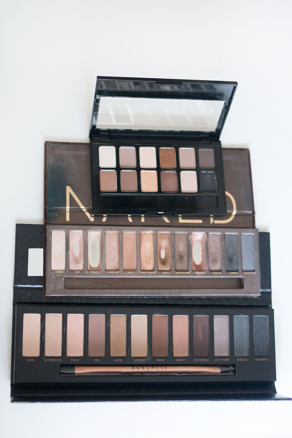 Urban Decay Naked Palette vs. Borghese Eclissare Collection vs. Maybelline The Nudes // Best & Worst of Beauty Dupes/Duds // Hello Rigby Seattle Beauty & Style Blog