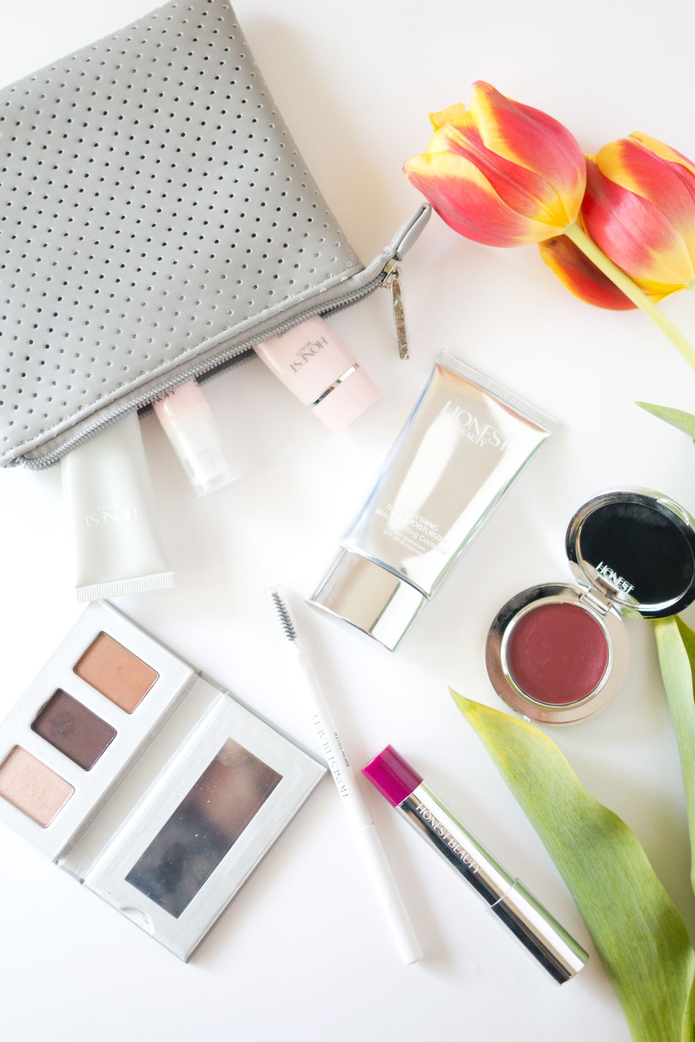 Honest Beauty Review: Skincare & Makeup // Hello Rigby Seattle Beauty & Makeup Blog