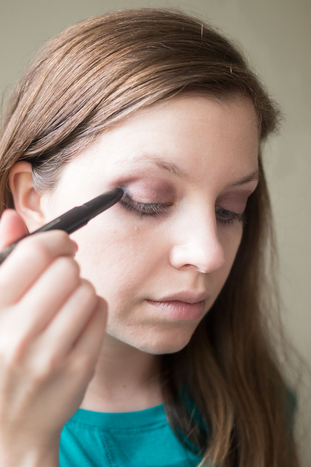 Jouer Cosmetics Review: Creme Eyeshadow Crayon in Graphite // Hello Rigby Seattle Beauty Blog