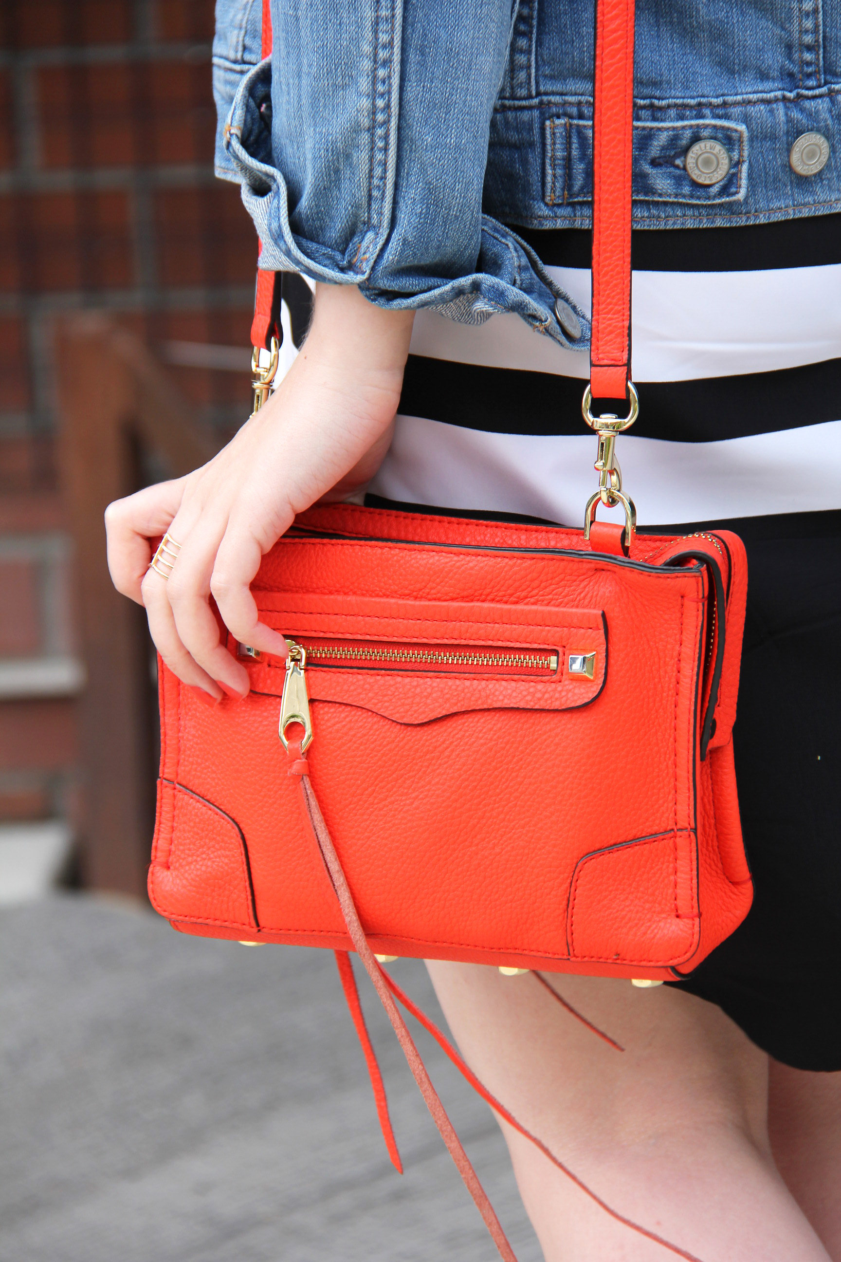 Summer Travel Outfit: Rebecca Minkoff Regan Crossbody in Poppy // Hello Rigby Seattle Fashion Blog