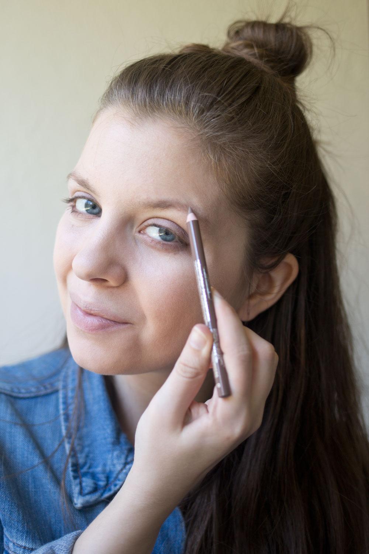 essence-cosmetics-brow-designer-blonde-review
