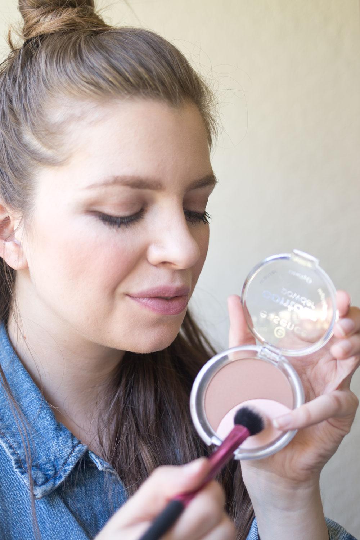 essence-cosmetics-contour-highlight-powder