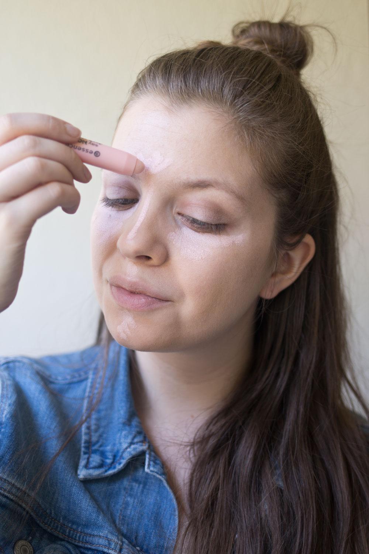 essence-cosmetics-say-no-to-dark-circles-color-corrector