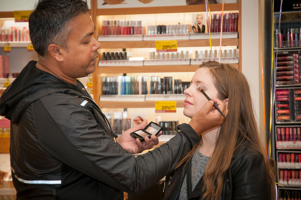 BeYu Cosmetics Celebrity Makeup Artist Lindsay Ebbin // Hello Rigby Seattle Beauty Blog