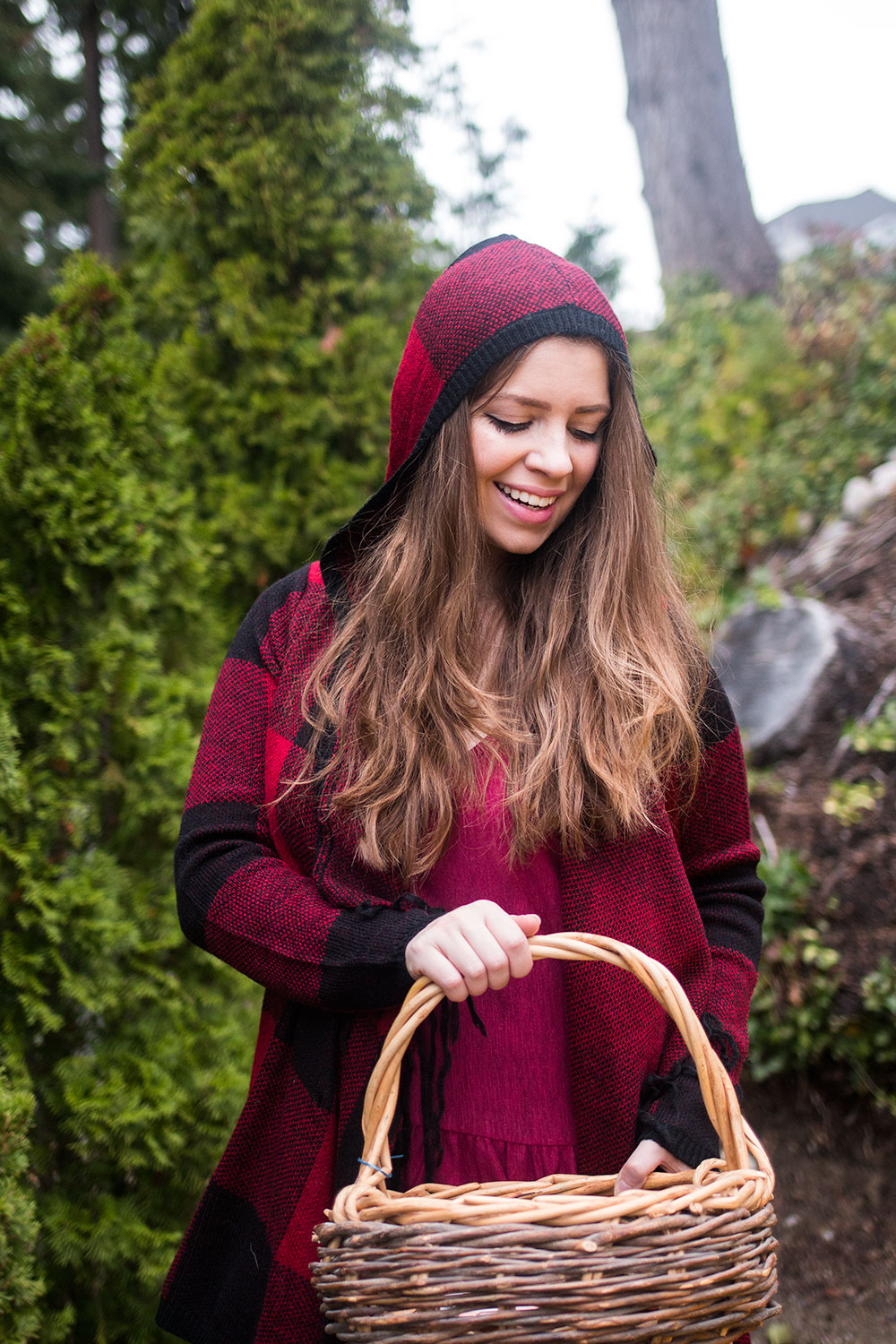 DIY Little Red Riding Hood Costume // Halloween Costumes to Wear to Work // Hello Rigby Seattle Fashion Blog