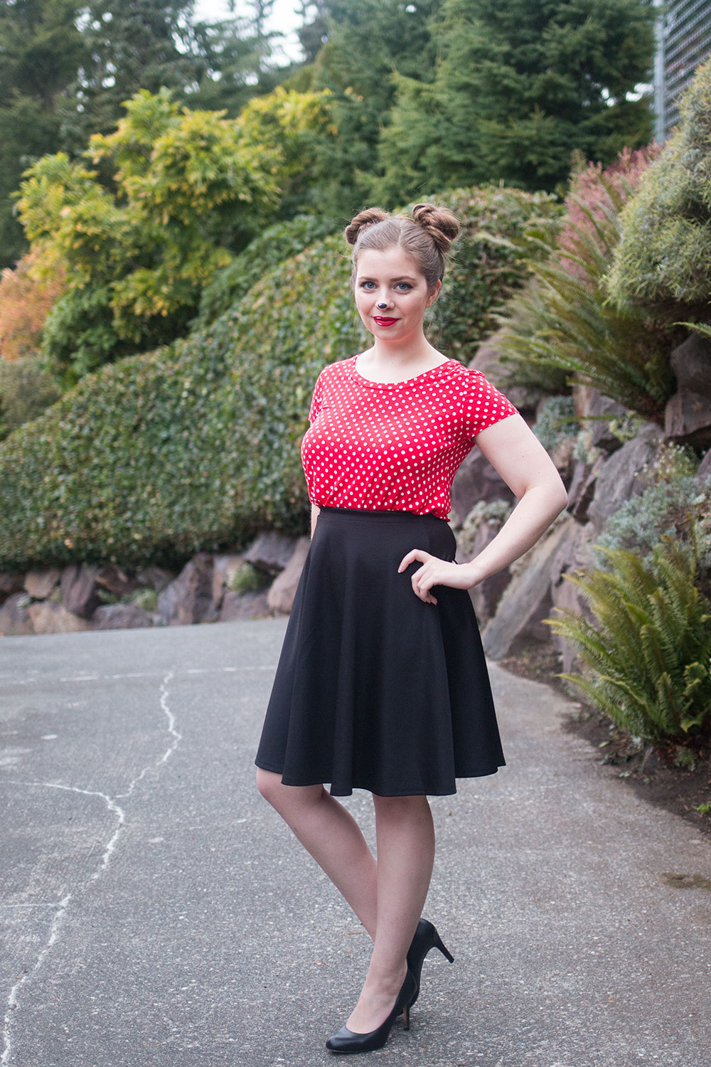 DIY Minnie Mouse Costume for Women // Halloween Costumes to Wear to Work // Hello Rigby Seattle Fashion Blog