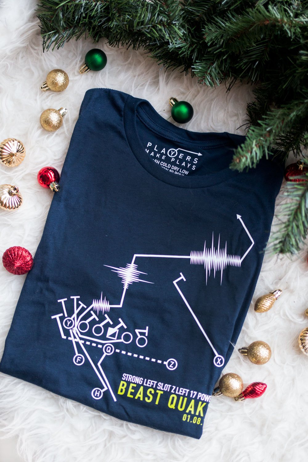 Gifts for Seahawks Fans: Players Make Plays Beast Quake T-Shirt // Hello Rigby Seattle Fashion Blog
