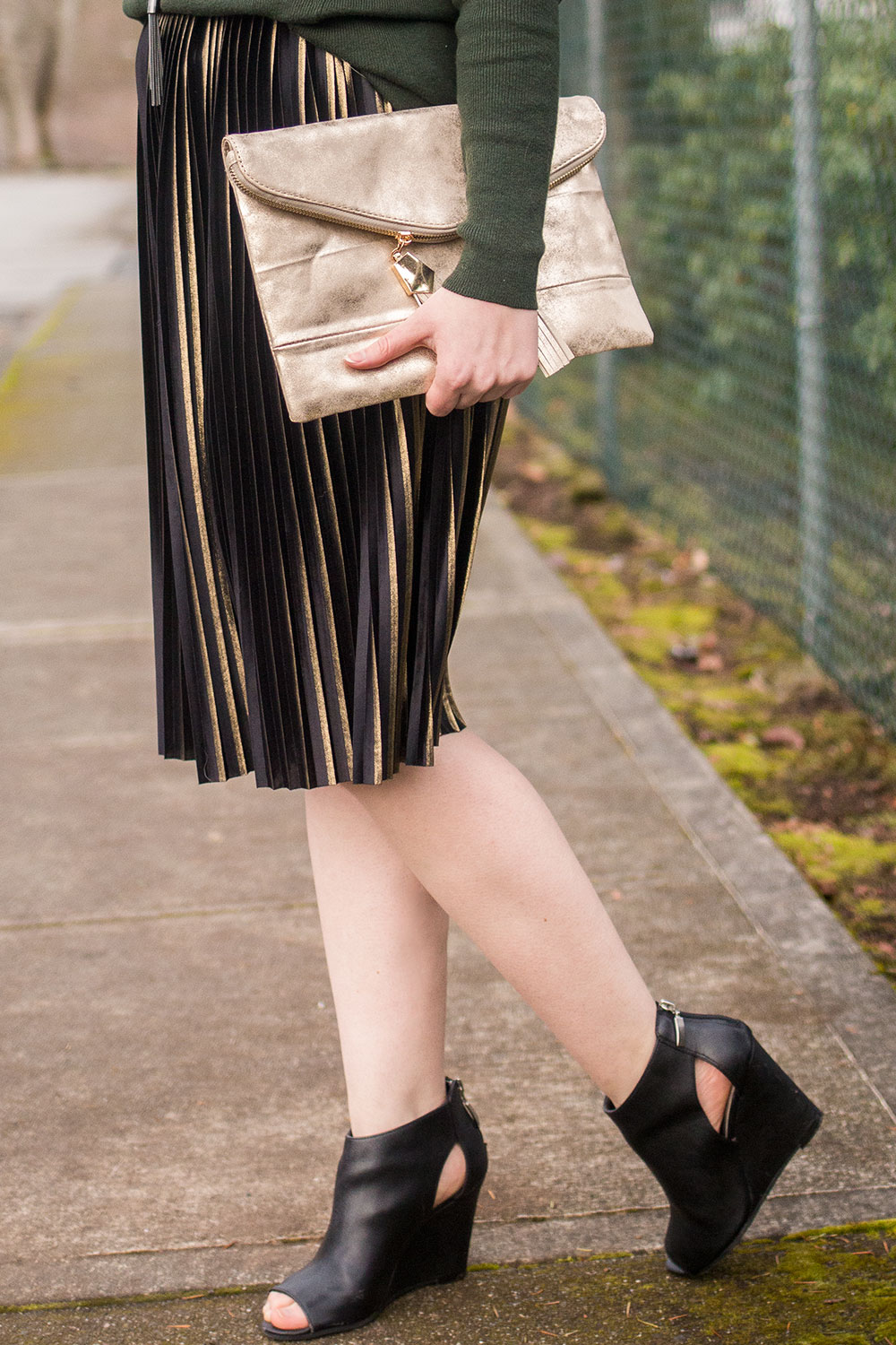 Metallic Skirt for NYE Outfits // Hello Rigby Seattle Fashion Blog
